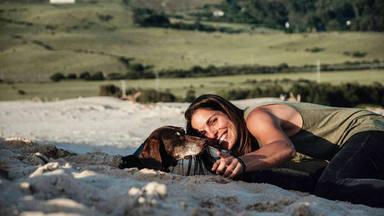 La conmovedora historia de Petra, la perrita que una ex altleta olímpica española salvó de la calle