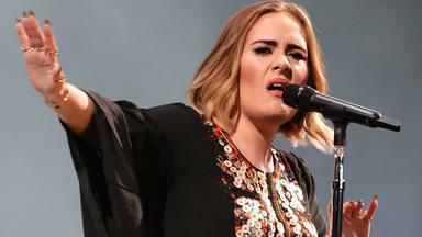 Adele continúa reinando en la música británica
