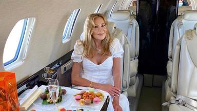 Ana Obregón pone rumbo a Mallorca en un exclusivo avión privado