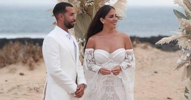 Isabel Pantoja se cuela, de manera inesperada, en la boda de Anabel dos días después de morir su madre