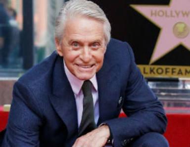 Michael Douglas ya tiene su estrella en el Paseo de la Fama de Hollywood
