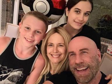 John Travolta junto a su mujer y sus hijos
