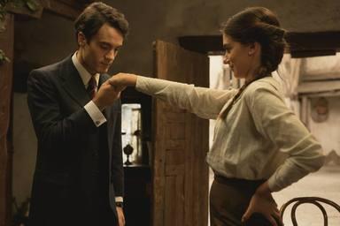 Alessandro Bruni y Alejandra Meco en 'El secreto de Puente Viejo'