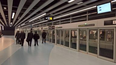 A l'abril TMB posarà en funcionament tres noves estacions de la L10 a la Zona Franca