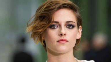 Kristen Stewart aparece irreconocible en las nuevas imágenes de ella como Lady Diana