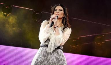 Laura Pausini en un concierto