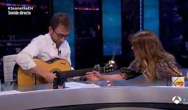 """El incómodo momento de Pablo Motos en su entrevista con Jeanette: """"Me he puesto a sudar como un loco"""""""