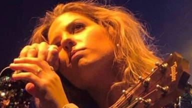 Miriam Rodríguez se rompe en su concierto de Valencia