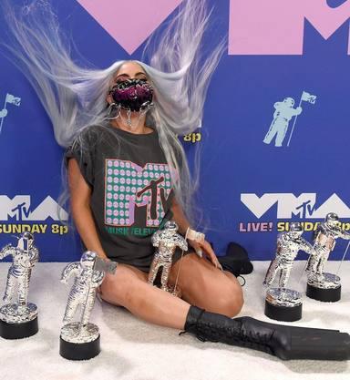 Lady Gaga con sus premios MTV 2020