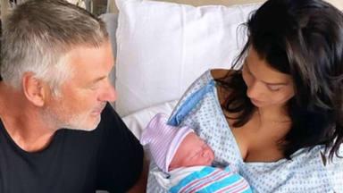 Hilaria Baldwin nos deja totalmente impresionados tras mostrar su figura meses después de dar a luz