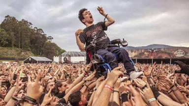 La historia de superación de Álex, el joven que ha roto todas las barreras en un festival de música