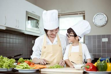 Cocinar junto a nuestros hijos la mejor manera para el coronavirus