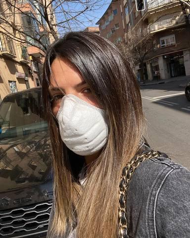 Laura Matamoros con mascarilla para ir a la compra