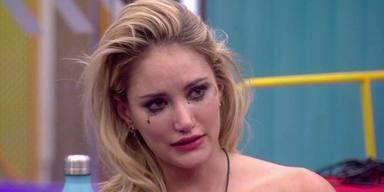 Alba Carrillo aterrada ante el vídeo de Diego Arrabal