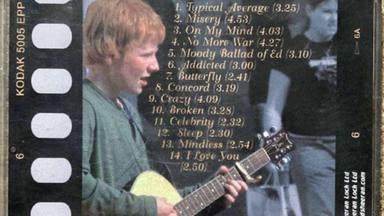Un hombre pone a subasta el primer demo que compuso Ed Sheeran tras encontrarlo en un cajón