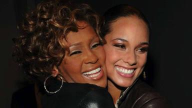 """Alicia Keys incluye a Whitney Houston en el Salón de la Fama del Rock and Roll: """"Su música vivirá para siempre"""