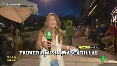 """Indignación en las redes con el gesto de una reportera de 'La Sexta': """"Solo ha faltado un beso en la boca"""""""