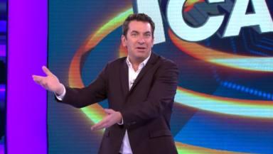 La jefa de Arturo Valls le da un ultimátum en 'Ahora caigo'