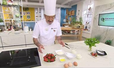 Karlos Arguiñano nos enseña a lavar las fresas de manera correcta para que no pierdan sabor ni propiedades