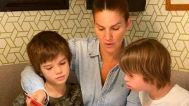 Enfado Roscón hijo Samantha Vallejo-Nágera con sus hermanos