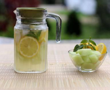 Limonada de melón, una manera de aprovechar esta fruta