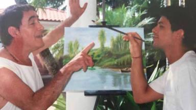 """El emotivo ritual de Alejandro Sanz para recordar a su tío Paco: """"Hoy es tu día"""""""