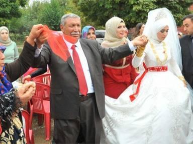 Celebra la boda de su vigésimo cuarto hijo