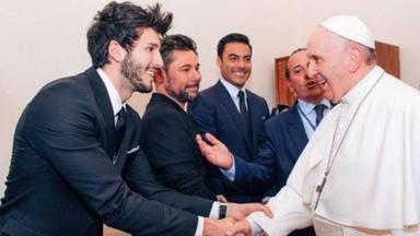 Sebastián Yatra, el cantante de éxito y católico que canta por los valores del Papa