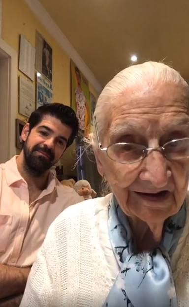 Miguel Ángel Muñoz y la tata, felices