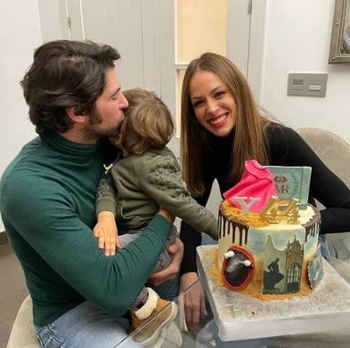 Cayetano Rivera cumple 44 años y lo celebra junto a sus dos amores