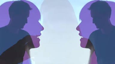 """REYKO presenta el videoclip de """"Don't Mention My Name"""" y cuenta a CADENA 100 cómo se hizo"""