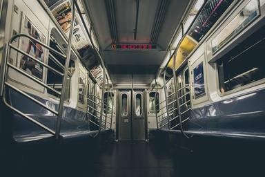 Noves portes verticals al metro de Barcelona