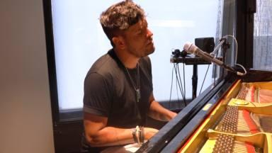 Pablo López canta 'Colapso', su nuevo single, y anuncia la fecha de estreno de su nuevo álbum
