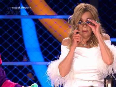 Ana Obregón con unos anteojos al olvidarse las lentillas en Mask Singer