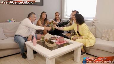 Francisco González, Laura Matamoros, Raquel Mosquera, Aless Gibaja y Rosa López en Ven a cenar conmigo