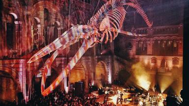 Así es cómo Coldplay ha hecho su concierto en el Museo de Historia Natural de Londres