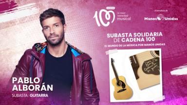 Guitarra firmada de Pablo Alborán subasta CADENA 100 a beneficio de Manos Unidas