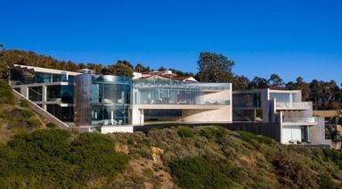 Meses después de comprarse la casa de Iron Man, Alicia Keys logra vender una mansión tras cinco años de espera