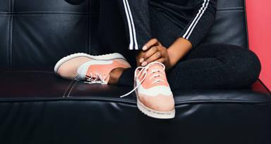 Trucs per a netejar sabates de pell girada
