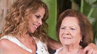 Pastora Soler comparte una tierna foto de su madre con su nieta Vega en brazos