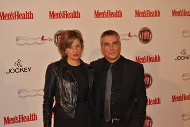David Cantero posa junto a su mujer Berta Caballero en un evento