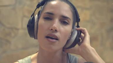 """""""Cruz verde de vida"""", la canción de India Martínez que pone en valor a los farmaceúticos frente al COVID-19"""