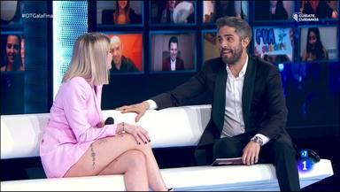 Samantha hizo de presentadora improvisada en la despedida de Roberto Leal