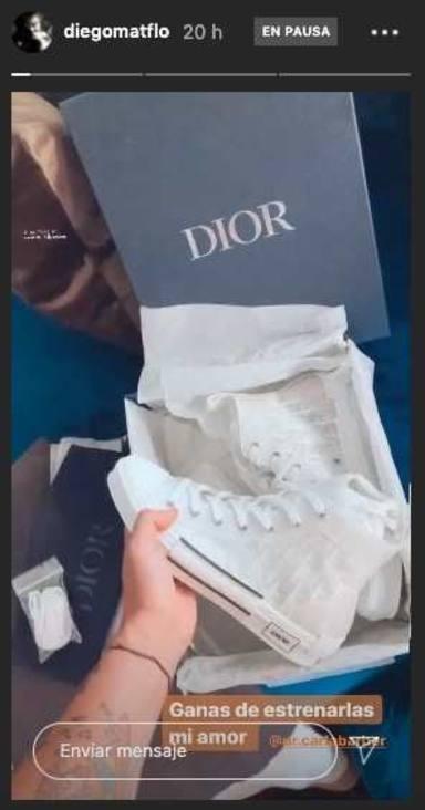 Las zapatillas de 900 euros que Carla Barber le ha regalado a Diego Matamoros