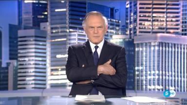 Pedro Piqueras, pillado: el presentador de 'Informativos Telecinco' tuvo un desliz inesperado en pleno directo