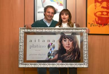 Aitana, platino