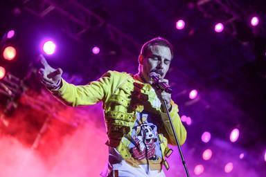 Pablo Padin, vocalista de God Save The Queen, caracterizado como Freddy Mercury