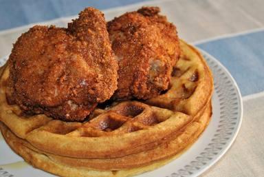 Pollo frito con gofres