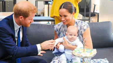 Del error de maquillaje de Meghan Markle a su beso apasionado con el príncipe Harry: así ha sido su primer via