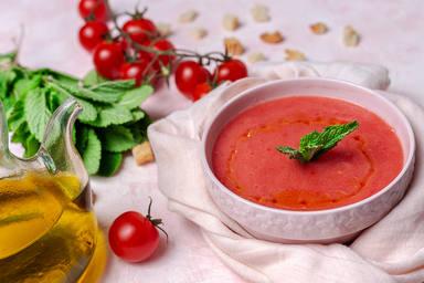 El gazpacho es de los sorbos más ricos del verano